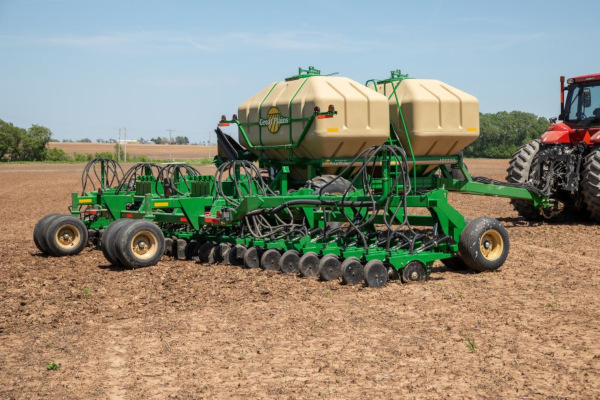 Great Plains | Air Drills | 40' & 45' Min-Till for sale at Kunau Implement, Iowa