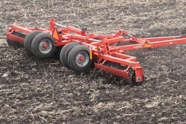 Kuhn 4400-46 for sale at Kunau Implement, Iowa
