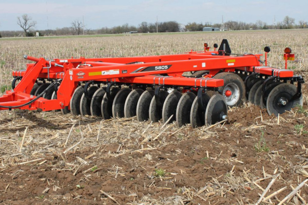 Kuhn 5805-17R for sale at Kunau Implement, Iowa