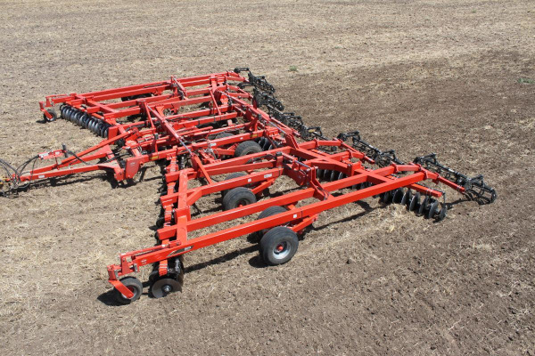 Kuhn | Class II: All-Purpose  | 8215 Tandem for sale at Kunau Implement, Iowa
