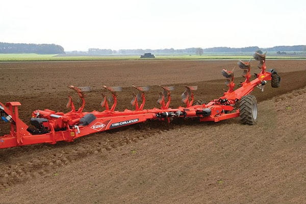 Kuhn CHALLENGER NSH - 8 bodies for sale at Kunau Implement, Iowa