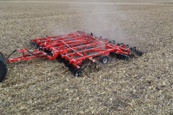 Kuhn Excelerator® XT 8010-34 for sale at Kunau Implement, Iowa