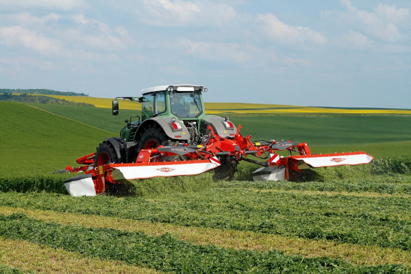 Kuhn | Triple | FC 30 Series for sale at Kunau Implement, Iowa
