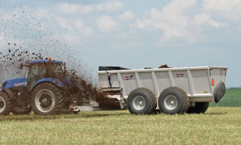 Manure Spreaders - Side-Discharge Spreaders