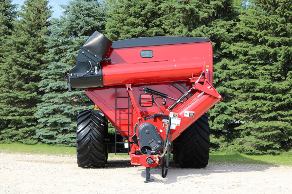 Unverferth | 20 Series Dual-Auger Grain Carts | Model 1620 for sale at Kunau Implement, Iowa