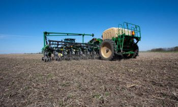 CroppedImage350210-GreatPlains-16-Row-Yield-Pro-Planter.jpg