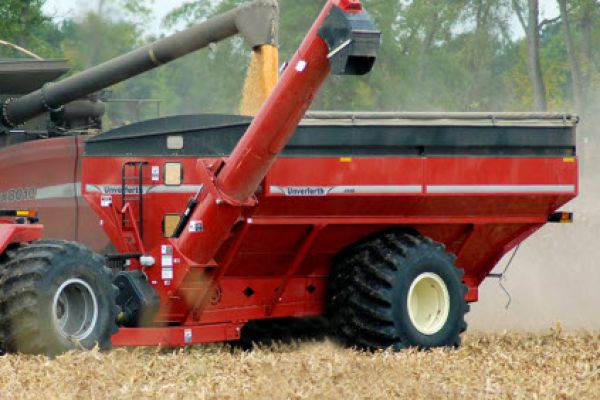 Unverferth | 20 Series Dual-Auger Grain Carts | Model 1110 for sale at Kunau Implement, Iowa