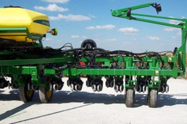 Yetter | Planter Unit Mounted | Model 2940-002 (Deere) for sale at Kunau Implement, Iowa